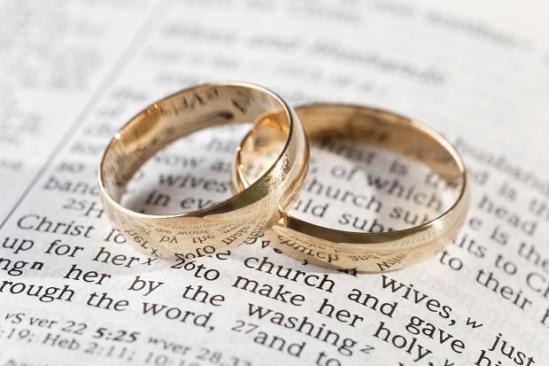 wedding-rings-91027_186646c