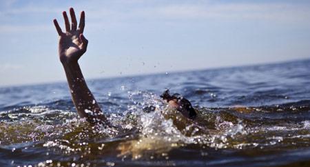 powerless-underwater