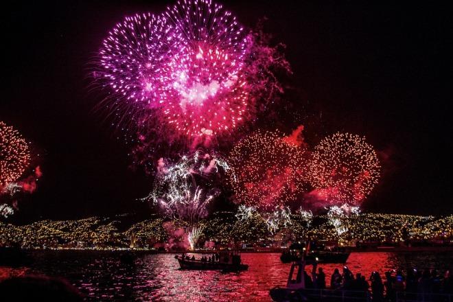 fireworks-828643_960_720