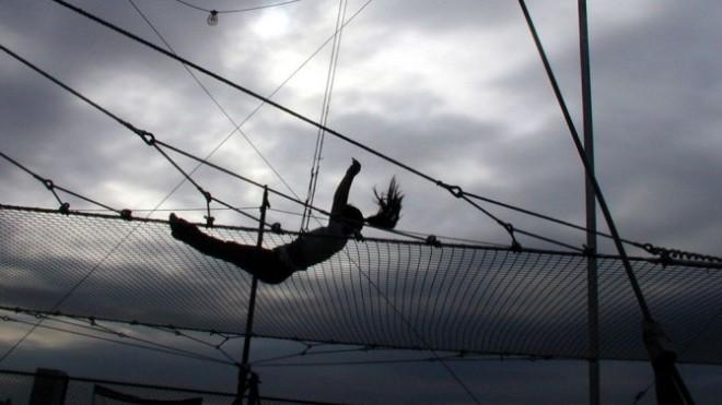 trapeze-fall1-670x377